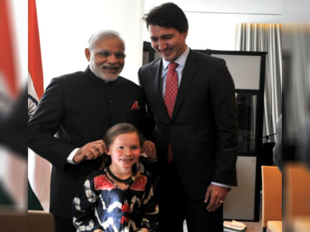 201802222255103820_PM-Modi-Shares-moment-with-Justin-Trudeau_SECVPF