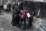 Strikes hit Syria's battered Ghouta as death toll hits 800