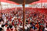 Thousands of women farmers join 'long march' to Mumbai to demand land, forest rights