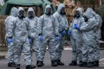 Russia hits back in spy poisoning row as experts called in