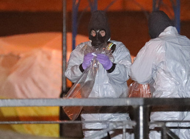 investigations-continue-at-the-scene-of-salisbury-spy-poisoning-4-390x285