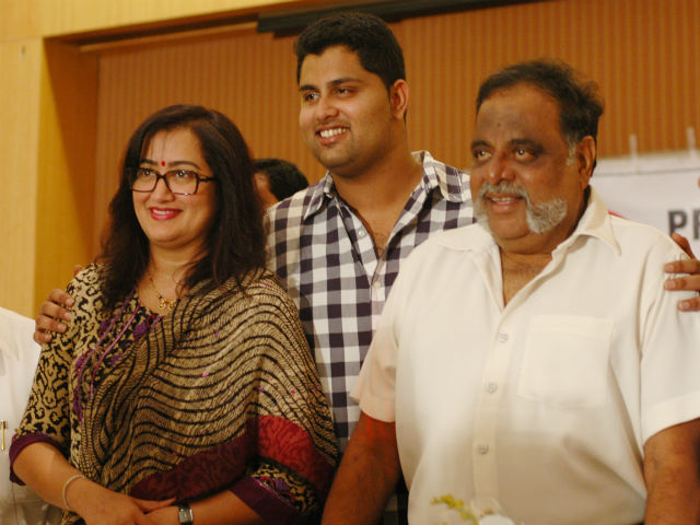 201710051145547094_Ambarish-son-abhishek-entry-to-sandalwood_SECVPF
