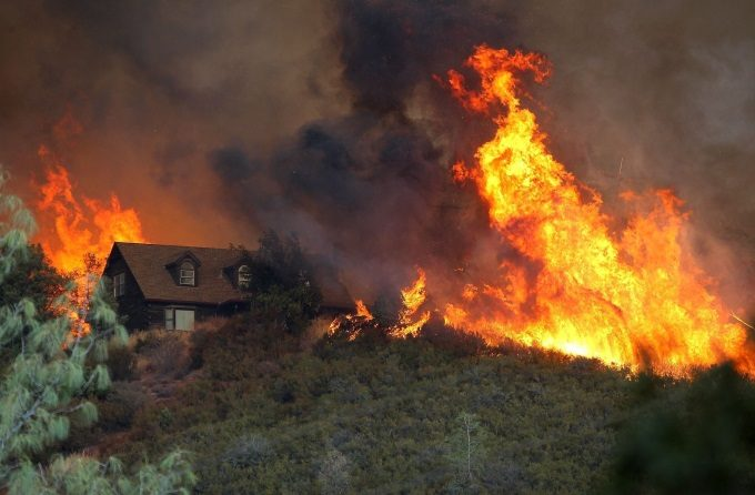 northern-california-fire-explodes-