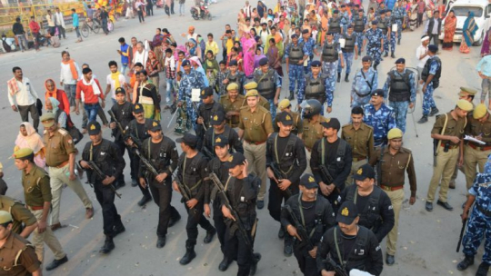 Security-forces-in-Ayodhya-784x441