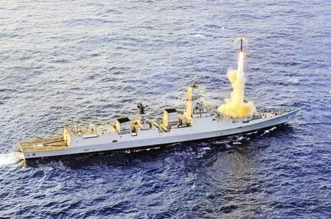 brahmos-cruise-missile-test-fired-from-ins-kochi-2019-11-29