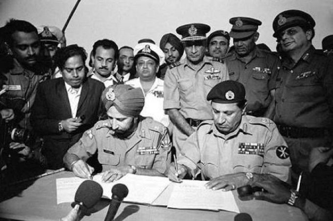 93000-pakistani-soldiers-did-not-surrender-in-1971-because-1-640x425