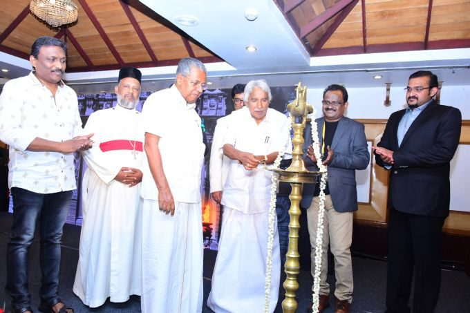 Former Cheif Minister Oommen Chandy Lighting the lamp