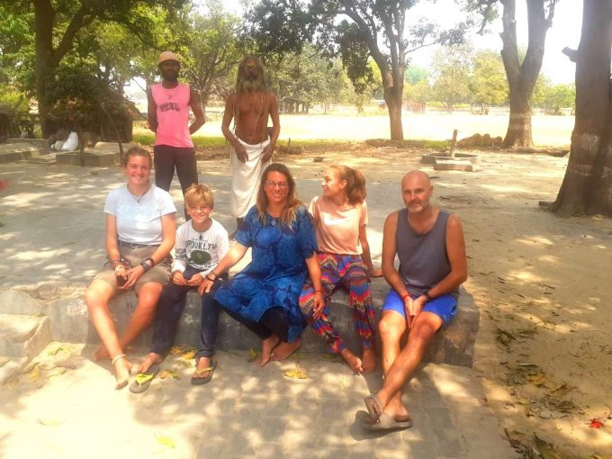French-Family-In-UP-Photo-Karunanidhi-Mishra