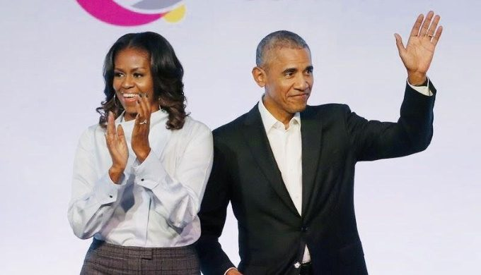 Obamas to address grads