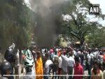 श्रीलंका में हिंसा के बाद लगाई गई इमरजेंसी