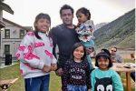 कश्मीर की खूबसूरत वादियों में सल्लु मियां, घाटी के बच्चों से भी हुए फ्रेंडली