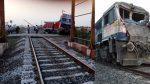 ट्रक की टक्कर से रेल इंजन का ड्राइवर घायल, गेटमैन की लापरवाही से हादसा