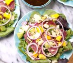 Delicious and Surprising Tuna-Based Recipes- Seared tuna salad with mango and vegetables