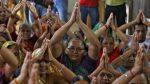 സ്വാമിയേ…..ശരണമയ്യപ്പാ…. ഈ കോലാഹലങ്ങള് അടങ്ങണമെങ്കില് സ്ത്രീകള്ക്ക് മാത്രമായി ഒരു ദിവസം ദര്ശനത്തിന് മാറ്റി വെക്കൂ അയ്യപ്പാ