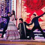 नहीं देखा होगा गौरी खान का ऐसा डांस, स्टेज पर शाहरुख ने किया किस