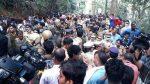 ശബരിമലയിലേക്ക് പോയ ബിന്ദുവിന്റെ പൊയില്ക്കാടിലുള്ള വസതിക്കു മുന്പില് സംഘ്പരിവാര് പ്രവര്ത്തകരുടെ പ്രതിഷേധം