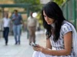 'लड़कियों को डिप्रेशन दे रहा सोशल मीडिया'