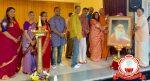 ഹൈന്ദവ സംഗമവേദിയിലേക്കുള്ള സ്ഥാപകാചാര്യന്റെ ചിത്രം കൈമാറി
