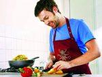 कुकिंग आसान बना देंगी Bachelors Kitchen में ये चीजें