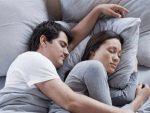 रात को नहाने से जल्दी आएगी नींद, समझें तापमान और नींद का कनेक्शन