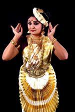 ഡോ. സുനന്ദ നായർക്ക് ഗ്ലോബൽ മന്നം അവാർഡ്
