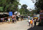 റെഡ് സോണ് ഒഴികെ അയല്സംസ്ഥാനങ്ങളില് നിന്ന് വരുന്ന മലയാളികളെ തിരിച്ചയക്കേണ്ടതില്ലെന്ന് മുഖ്യമന്ത്രി, എല്ലാവര്ക്കും പാസ് ലഭ്യമാക്കും