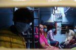 കോവിഡ്-19: ലോക്ക്ഡൗണ് ഇളവില് ട്രെയിന് യാത്ര ചെയ്യുന്നവര് സൂക്ഷിക്കണമെന്ന് ആരോഗ്യ വകുപ്പ്