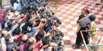 വീടിനകത്ത് ഇ ഡി ഉദ്യോഗസ്ഥർ ചാറ്റിംഗും ലഘുഭക്ഷണവും കഴിച്ച് സമയം ചെലവഴിക്കുകയായിരുന്നുവെന്ന് ബിനീഷിന്റെ ഭാര്യ റെനിറ്റ