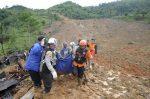 ഇന്തോനേഷ്യയിലെ മണ്ണിടിച്ചിലിൽ 13 പേർ കൊല്ലപ്പെട്ടു, 27 പേരെ പേരെ കാണാതായി