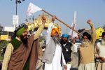 Farmers block highway outside Delhi to mark 100th day of protest