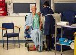 ലോകത്തിലാദ്യമായി കോവിഡ് വാക്സിന് സ്വീകരിച്ച വില്യം ഷെയ്ക്ക് സ്പിയര് അന്തരിച്ചു